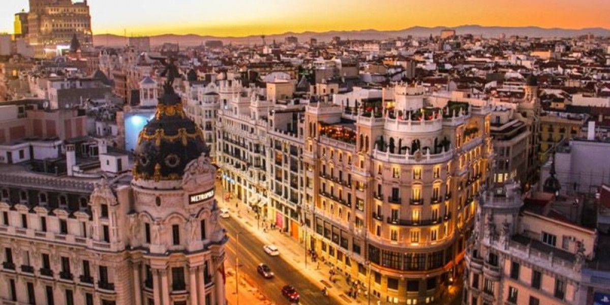 efl-teacher-ih-madrid-spain-madrid-76c4b0_3172_1