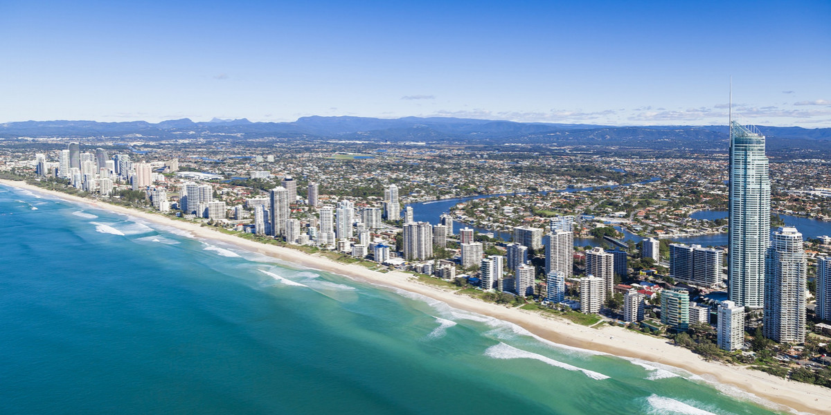 SurfersParadise_shutterstock_142759510-reduced-2200x-300ppi-web